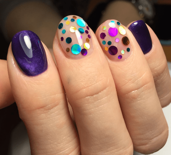Конфетти на ногтях