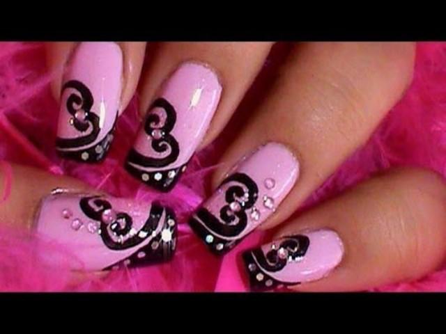 Рисунок на ногтях черно розовый