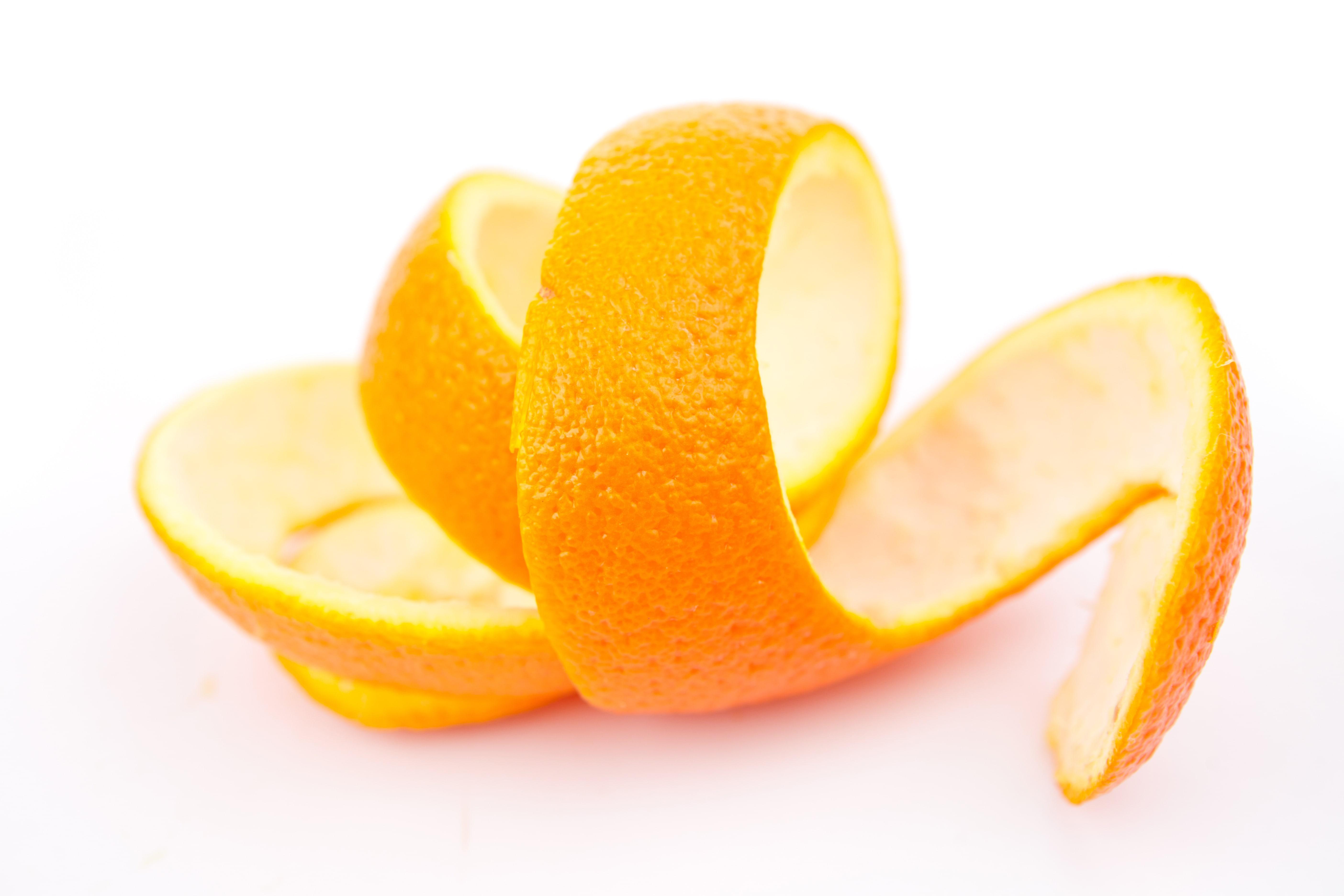 Как отбелить ногти апельсиновой цедрой
