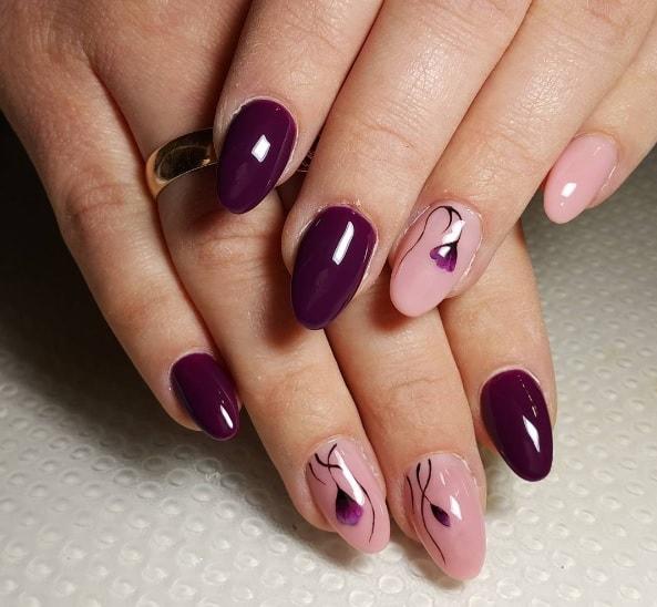 Фиолетовый маникюр в стиле минимализм