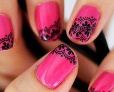 маникюр розовый с черным