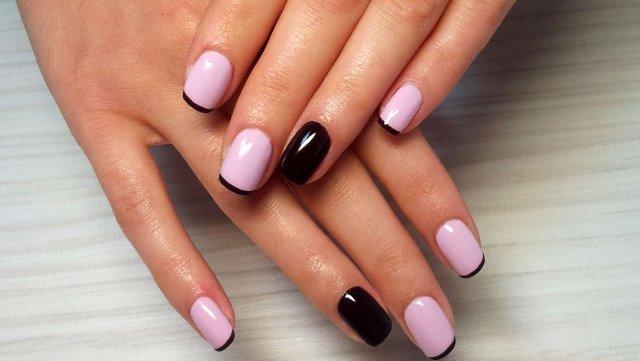 маникюр розово- черный