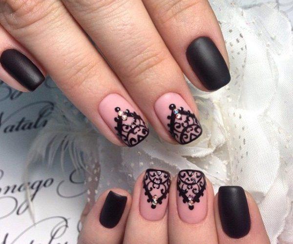 маникюр с росписью розовый с черным
