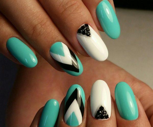 дизайн для круглой формы ногтей