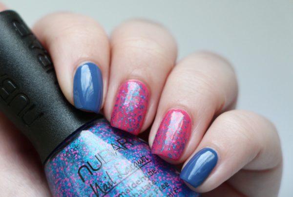 Маникюр розовый с голубым на короткие ногти