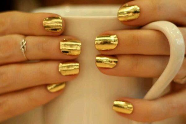 золотой маникюр фото