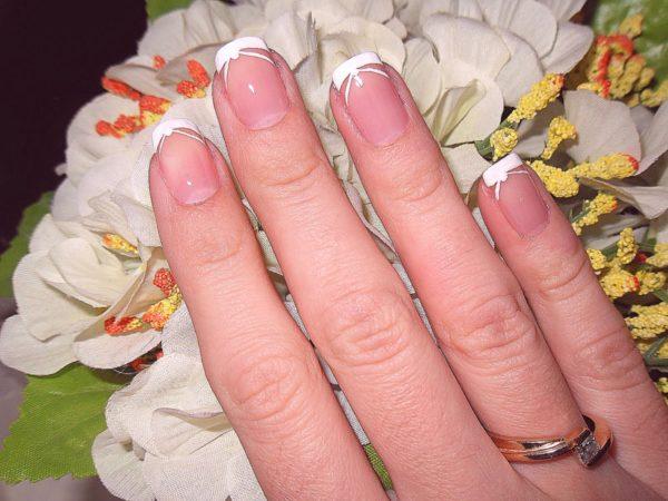 Маникюр свадебный на короткие ногти френч