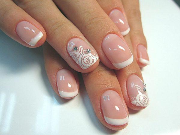 Маникюр свадебный на короткие ногти