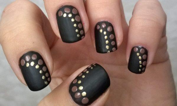 маникюр черный с золотом на короткие ногти