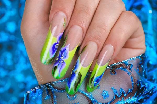 Форма ногтей пайп: техника создания